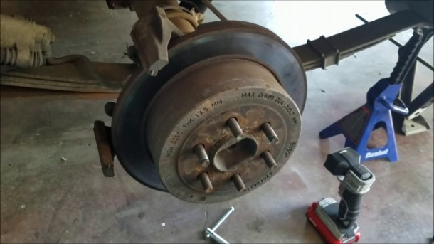 Dodge Dakota Rear Disc Brake Replacement