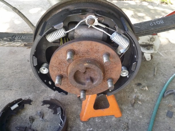Replaceing The Brakes On A 1995 Wrangler