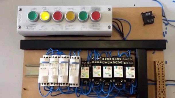 Traffic Light Circuit Relay Controlled Traffic Light Circuit